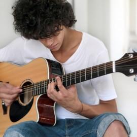 Kostenlose Musikkurse zusammen mit Flüchtlingen!